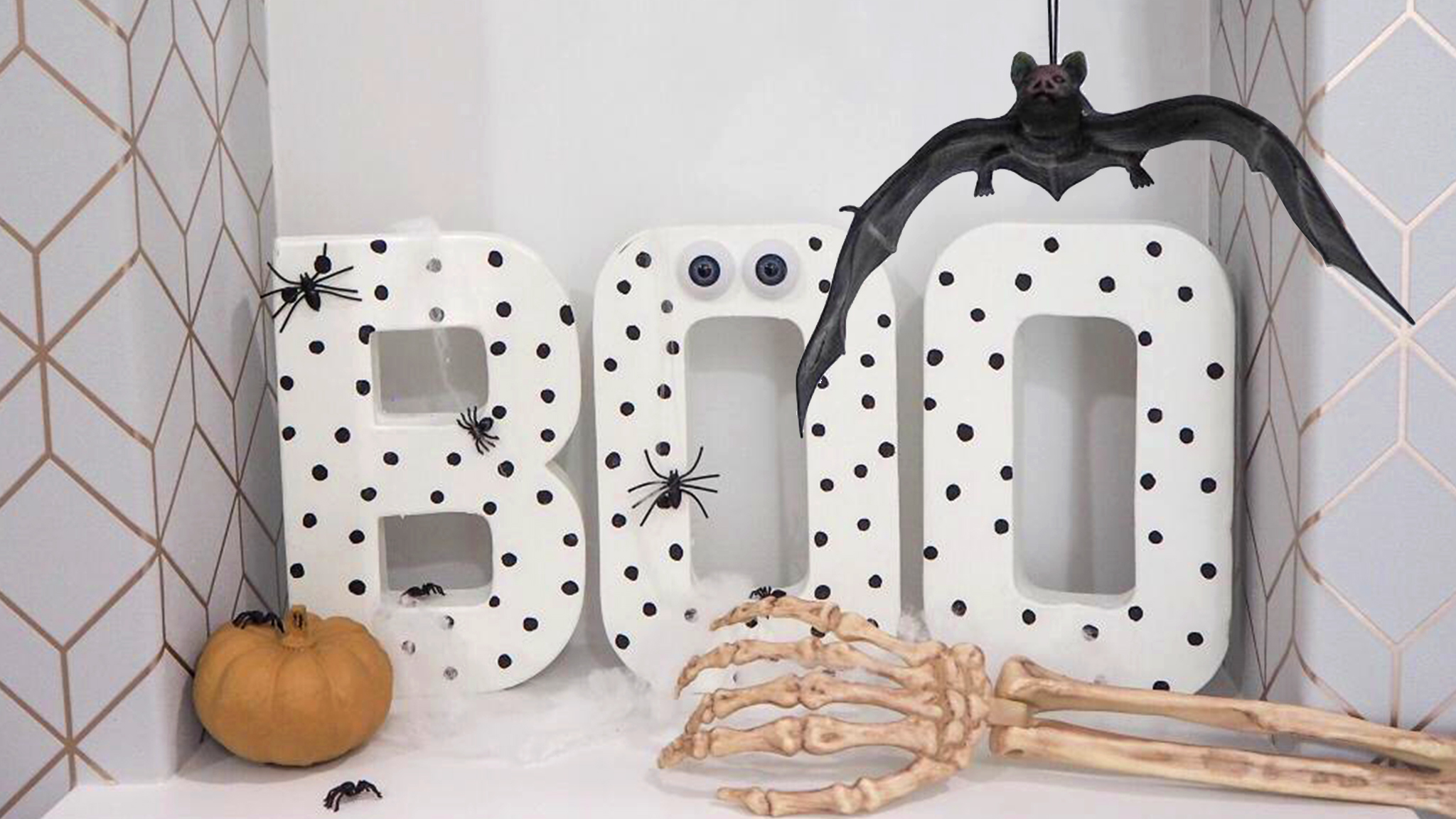 Boo sign for spooky shelves or window sills